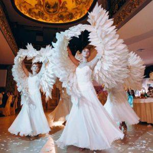 Ангелы на встречу гостей